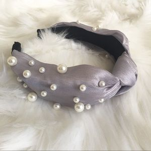 Gray Satin Headband with pearl and knot details